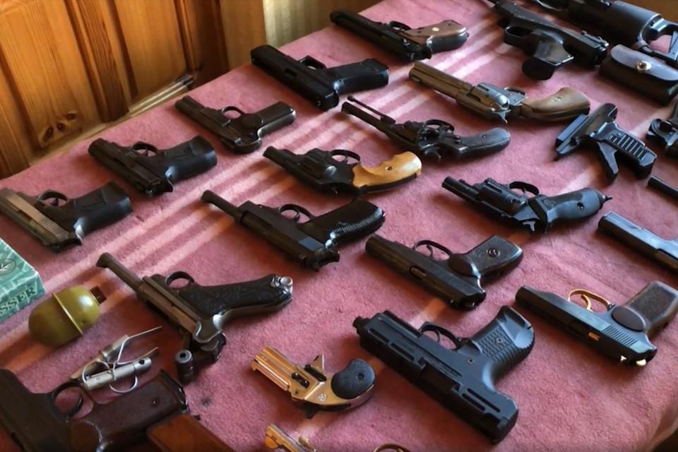 Прекращена деятельность 10 мастерских по модернизации оружия, оснащенных специализированным оборудованием. Фото: ФСБ РФ