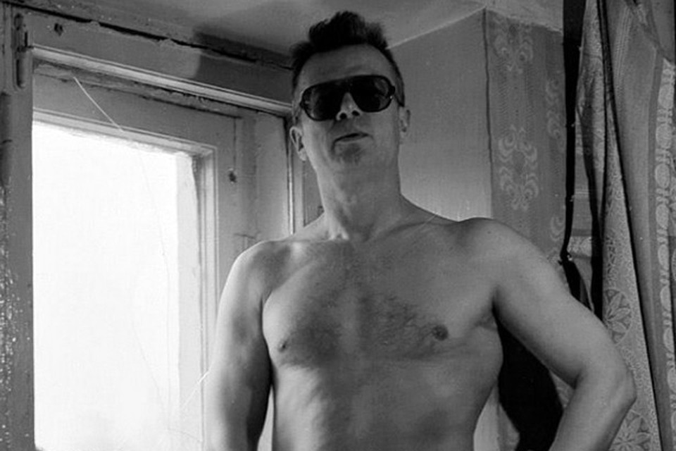 Лимонову причитались весьма крупные деньги за съемку, поэтому он и согласился. Фото Сергея Борисова