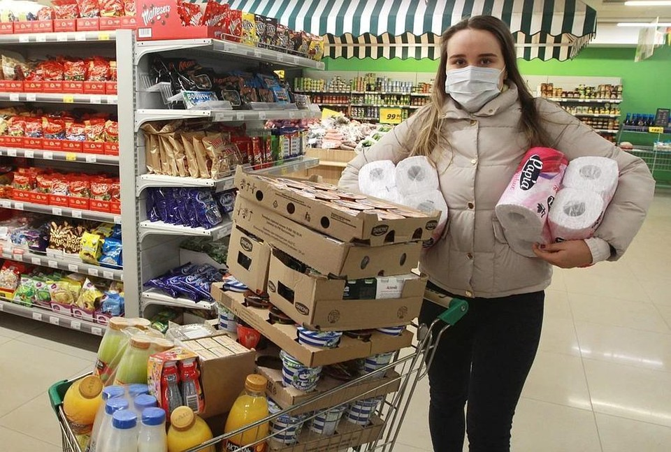 В России разрешили круглосуточно завозить продукты в магазины