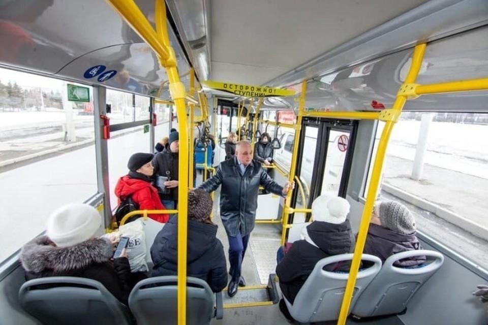 Сергей Цивилев проехал на кемеровском автобусе. Фото: Сергей Цивилев/ Instagram