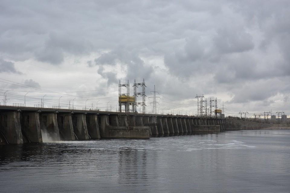 Водозатворная плотина ГЭС. Фото: Жигулевская ГЭС