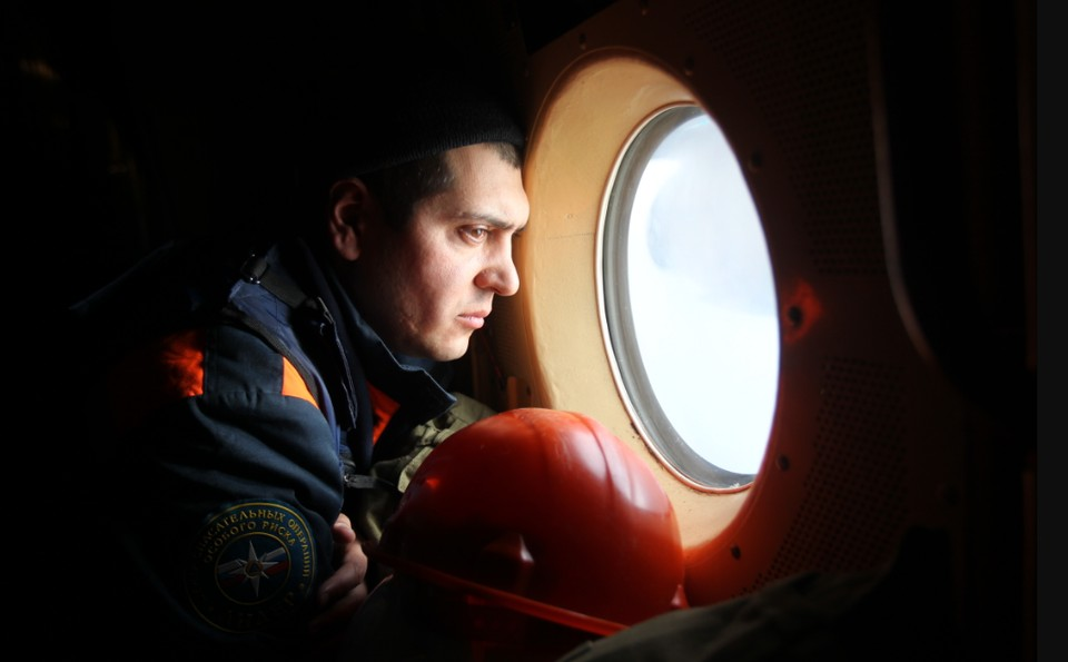 Всего сотрудники ведомства вывезли из Северо-Курильска 400 человек.