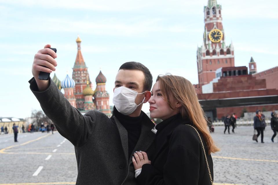 Какую тактику борьбы с пандемией выбрать России?
