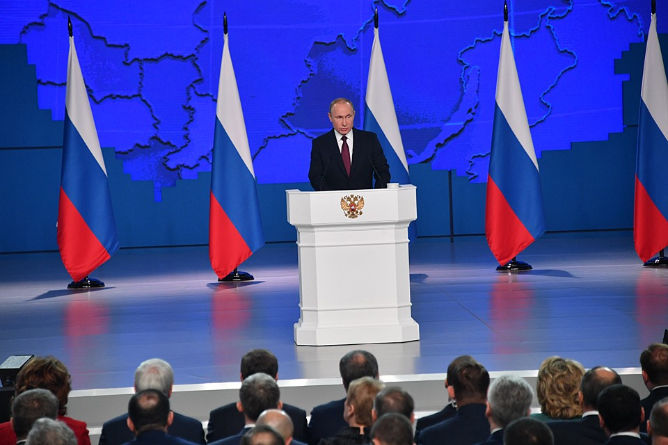 Путин рассказал о гуманитарной помощи в условиях коронавируса