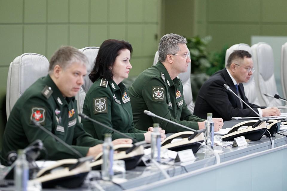 Тимур Иванов завил о развертывании в 4 военных округах России 16 модульных медицинских центров