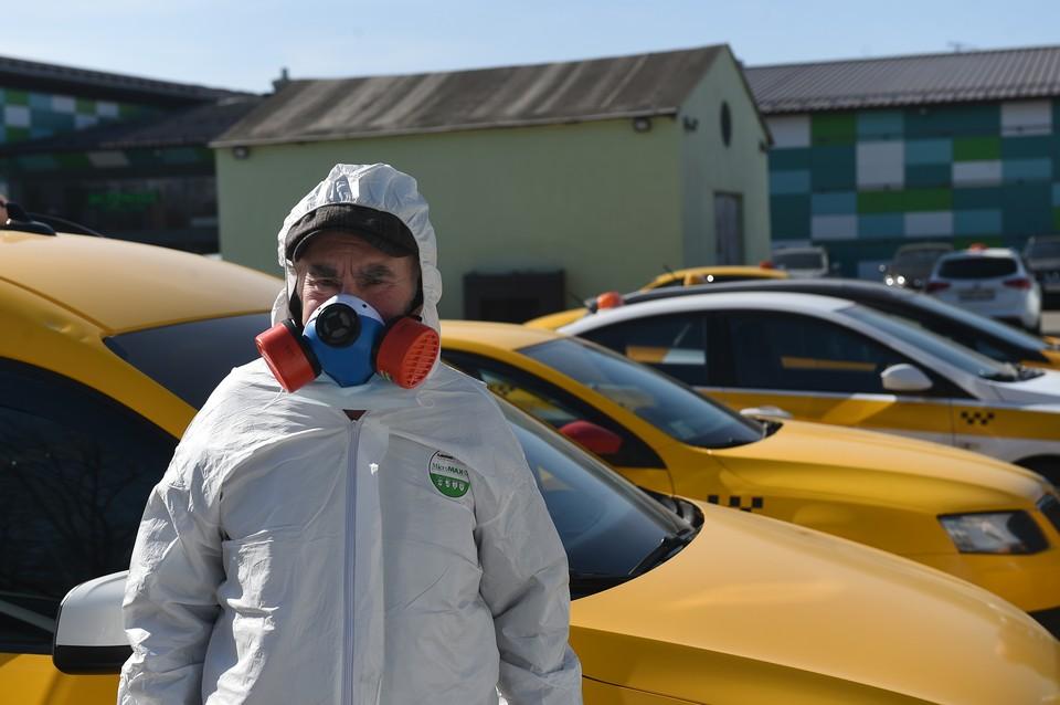 Российский эпидемиолог прогнозирует пик эпидемии коронавируса в России в течение двух недель, поскольку сейчас на родину возвращаются последние россияне, находящиеся за границей