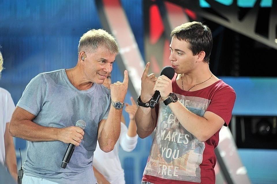 Сын Олега Газманова Родион рассказал о том, как певец соблюдает режим самоизоляции