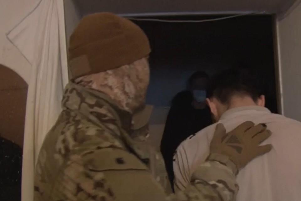 Мужчин заключили под стражу на два месяца. Фото: скриншот из видео УФСБ России по Республике Крым и городу Севастополю