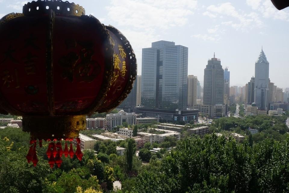 В Китае почтили память жертв опасного вируса