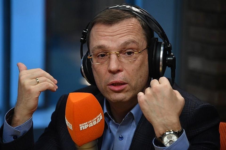 """Никита Кричевский в студии Радио """"Комсомольская правда""""."""