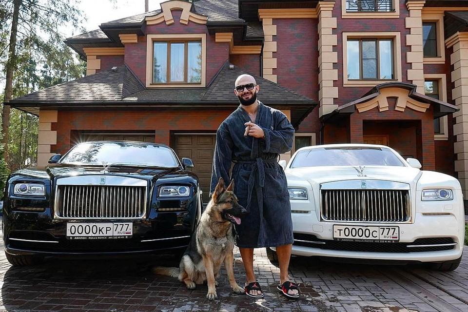 Многочисленные нарушения числятся за двумя автомобилями: Cadillac Escalade ESV и Rolls-Royce Wraith.