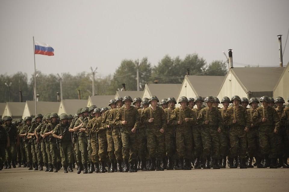 Самолет с военными прибыл в Екатеринбург ранним утром 13 апреля