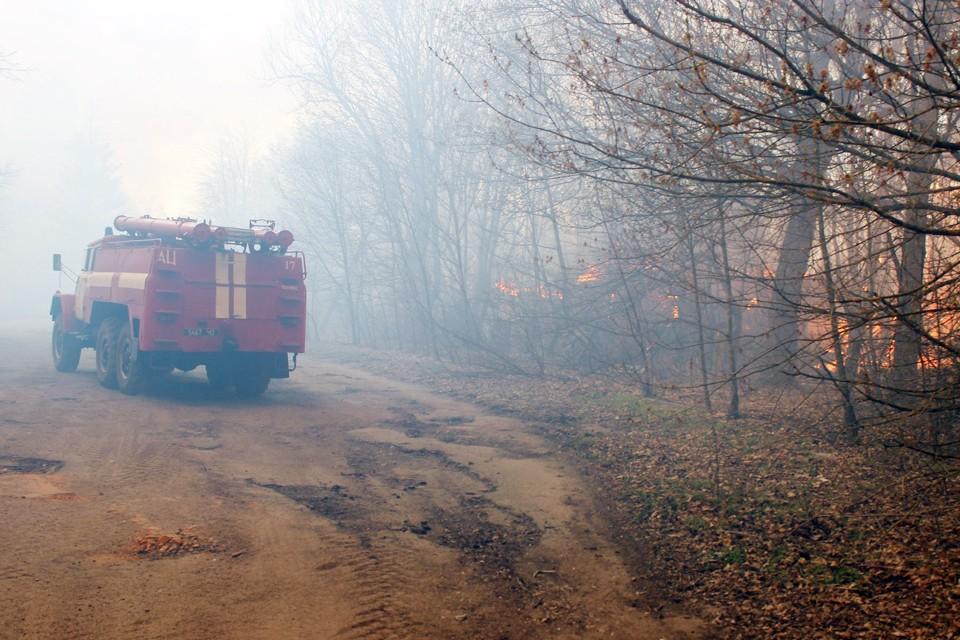 На тушение брошено 400 пожарных