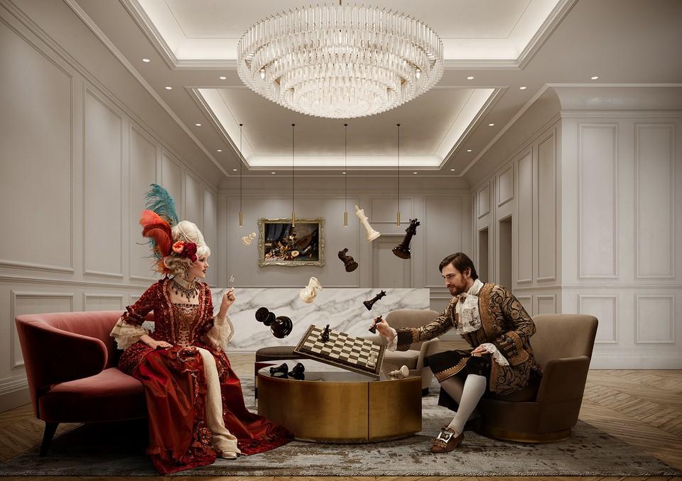 В рекламе элитного квартала «Театральный Дом» внимание уделили моде на барокко.