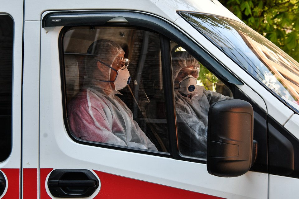 На Кубани круглосуточно работают медики.