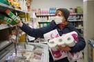 Как не принести домой коронавирус вместе с продуктами из супермаркета: пять простых советов