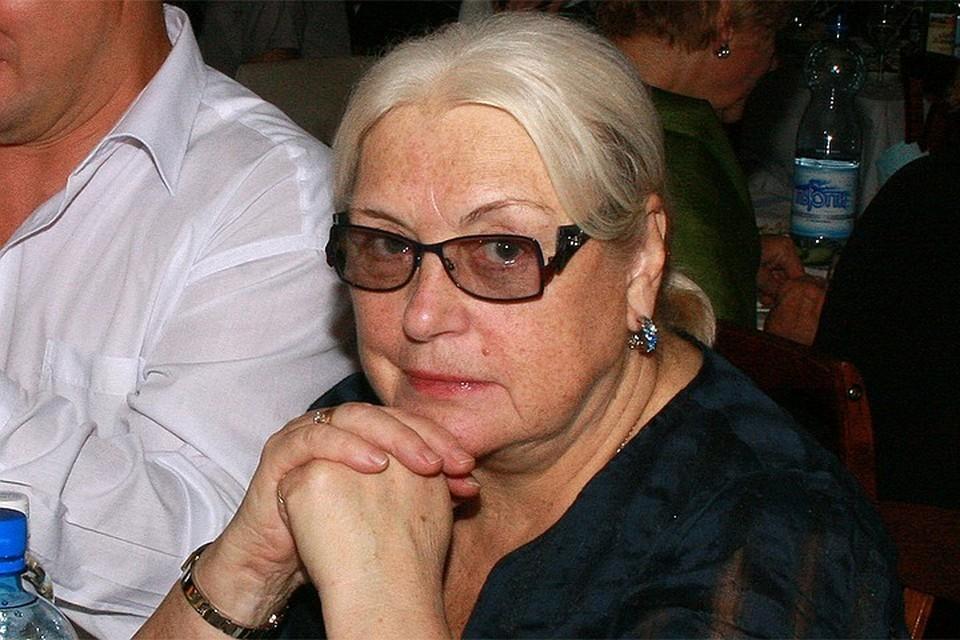 81-летняя актриса раздарила все свои квартиры и осталась ни с чем