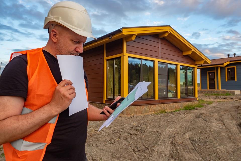 По весне многие разворачивают на своих дачных участках масштабные работы. Строят или ремонтируют.