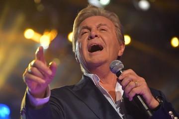 Исцелившийся Лев Лещенко записал новую песню в благодарность врачам