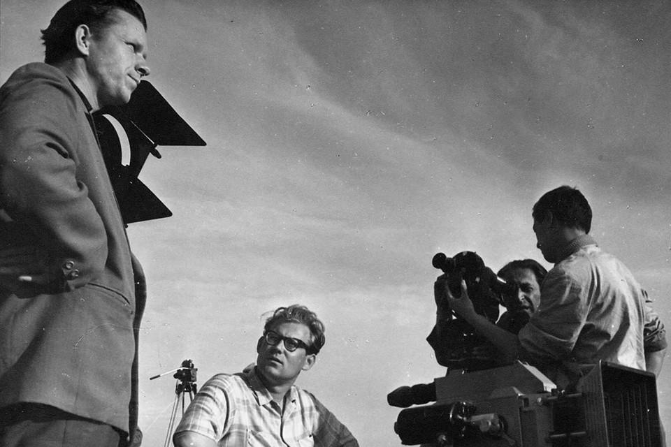 Василь Быков на съемках «Третьей ракеты» в 1963-м. Фото: архив Василя Быкова