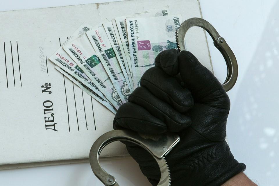 Недобросовестные банкиры под занавесом банковской тайны выводят в оффшоры средства.