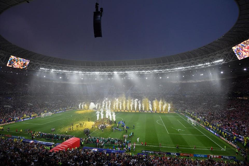 Большинство специалистов критически отнеслись к этой идее. Но сейчас, когда неизвестно, когда закончится пандемия, самое время обсуждать будущее футбола, который, как и весь мир, уже не будет таким, как раньше.