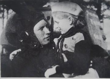Как уральская первоклассница собрала деньги на танк, чтобы отомстить немцам за дядю
