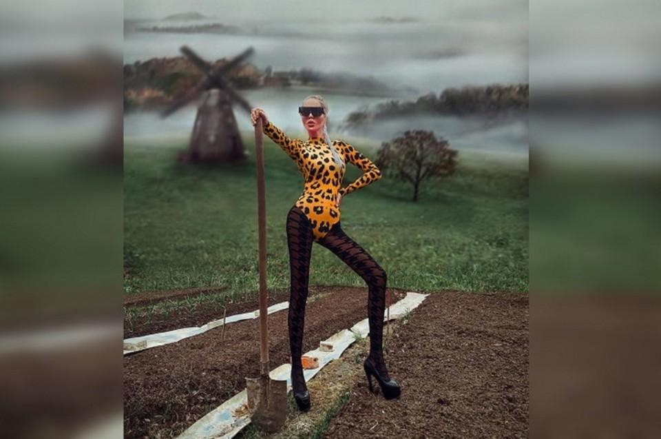 Мария попыталась сделать фото в стиле luxury, но это обернулось сотнями гневных комментариев