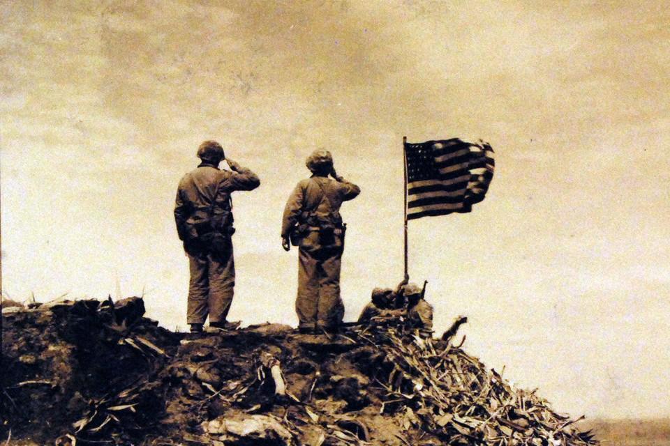 Уже поколения американцев не имеют никакого реального представления о Второй Мировой Войне. Как, собственно, и вообще о чем бы то ни было в мировой истории.