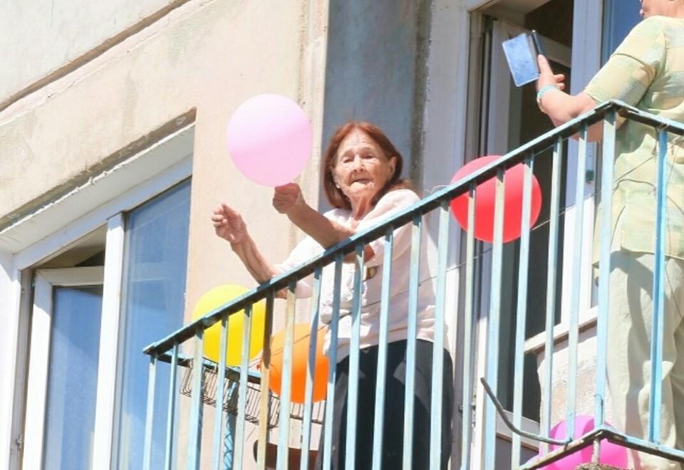«Можно оставаться дома и быть вместе со всей страной»: Омичи доказали это, сплотившись в День Победы