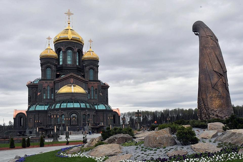 Храм построили всего за 19 месяцев
