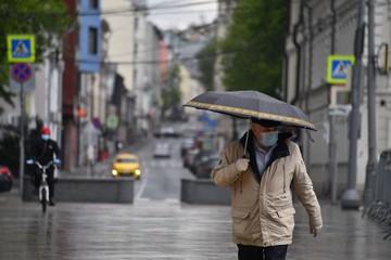 Гидрометцентр: Из-за сильнейших дождей вода в реках поднимается на 2 – 3 метра