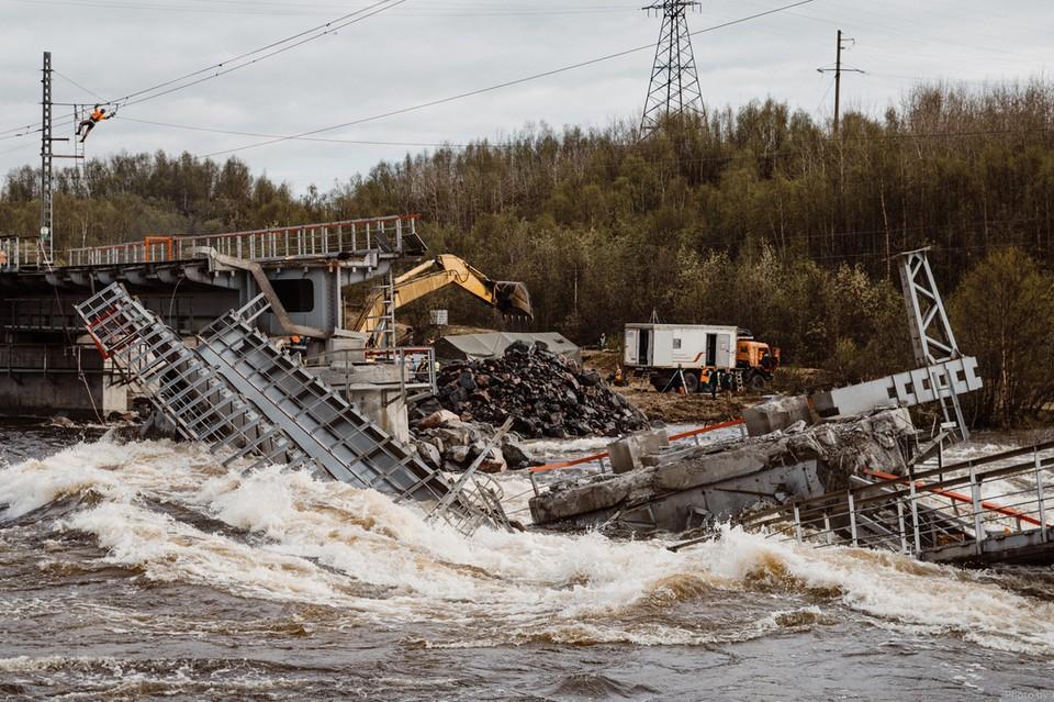 Мост восстановят уже к началу октября. Фото: Ruslan Tulupov