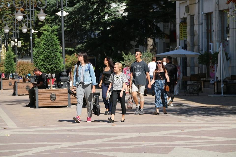 Работать крымчане будут всего три дня.