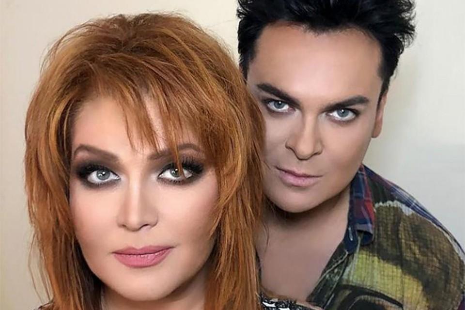 Юлиан и Анастасия поженились весной 2019 года.