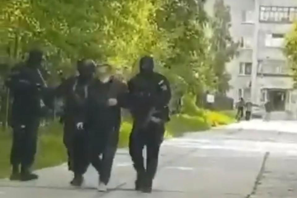 В Нижневартовске задержали учителя, подозреваемого в растлении школьниц. Скриншот видео с сайта hmao.sledcom.ru
