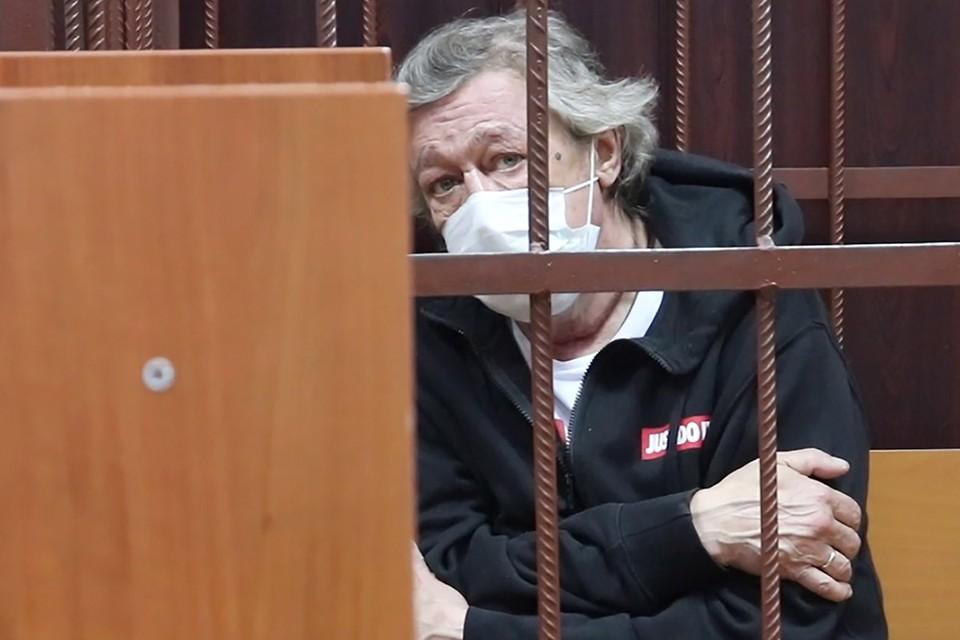 Михаил Ефремов в помещении Таганского суда. Фото: пресс-служба суда