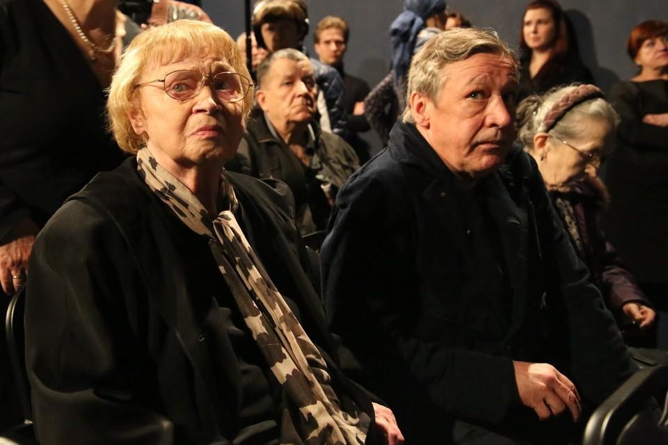 Михаил Ефремов и его мама Алла Покровская