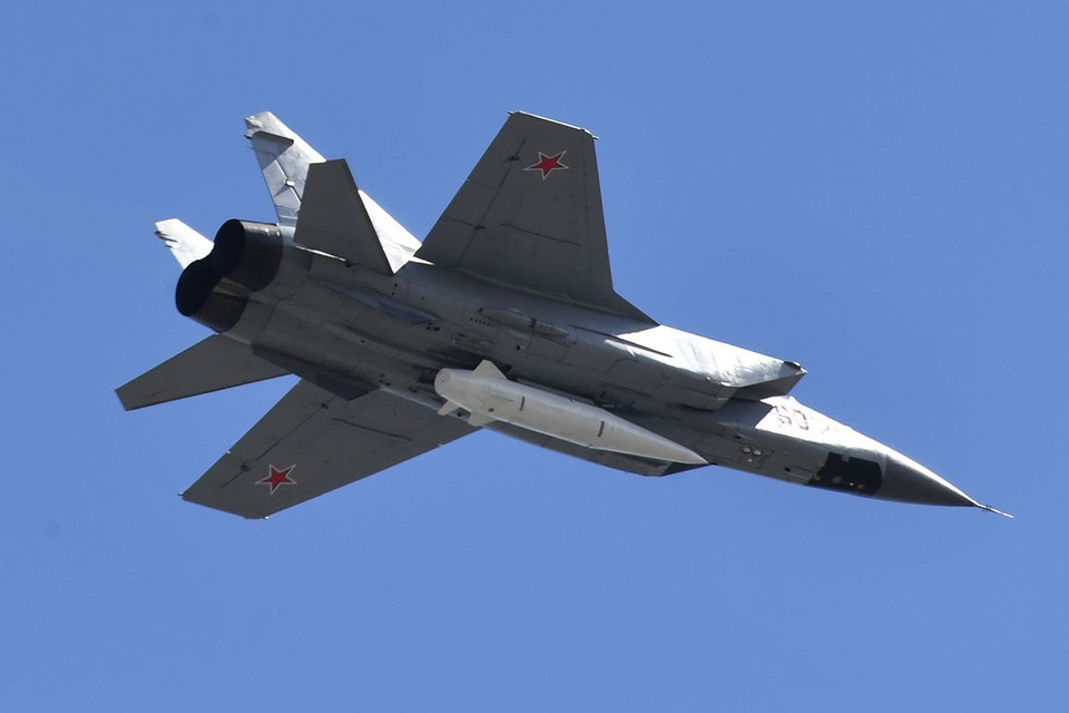 В начале марта Путин отмечал, что российское гиперзвуковое оружие позволяет сохранять в мире стратегический баланс, благодаря которому после Второй мировой войны не произошло крупных вооруженных конфликтов.