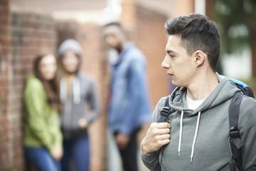 """Не ведись """"на слабо"""": Как отпускать подростка на вечеринку и подготовить к неприятным ситуациям. Инструкция """"КП"""""""