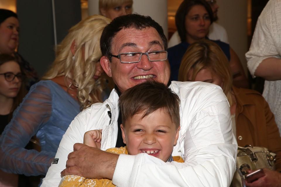 Телеведущий Дмитрий Дибров и его сын Саша.