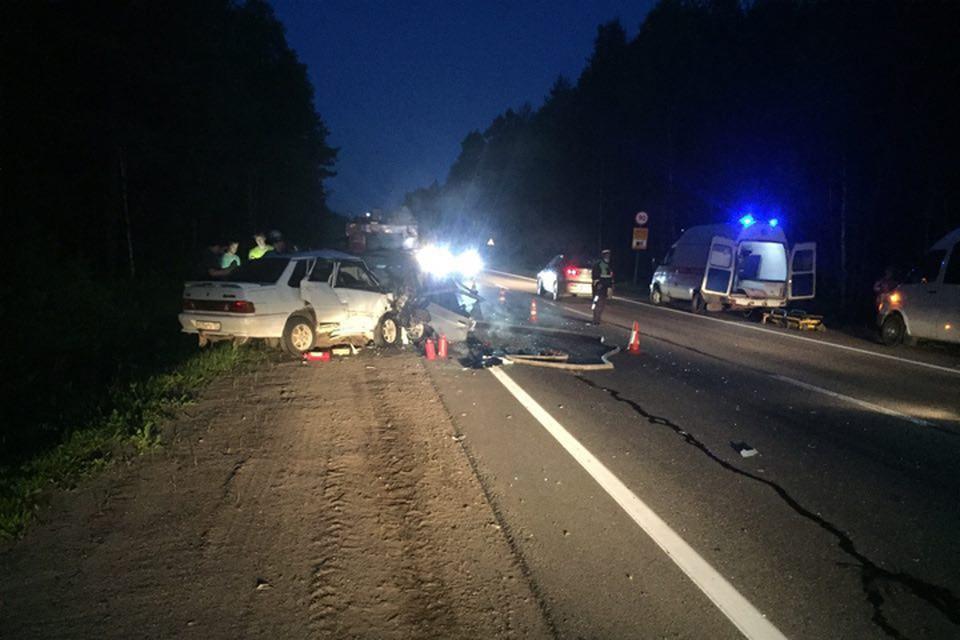 Появились фото с места страшного ДТП с четырьмя погибшими в Нижегородской области