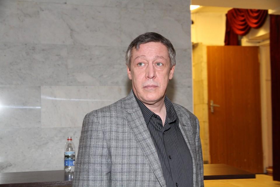 """Диагноз """"сердечный приступ"""" поставил актеру его адвокат Эльман Пашаев."""