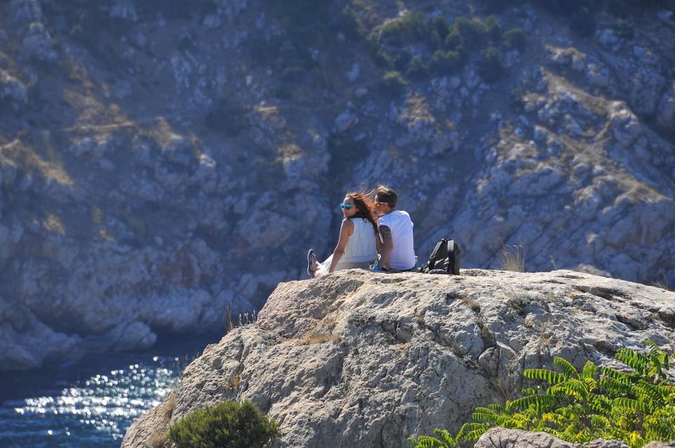 Горы в Балаклаве одно из самых популярных мест у туристов посещающих Крым. В майские праздники скалы послужили местом самоизоляции для горожан и гостей города