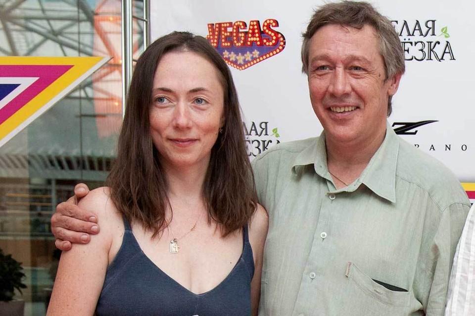 Пятая жена актера Софья Кругликова родила ему троих детей.