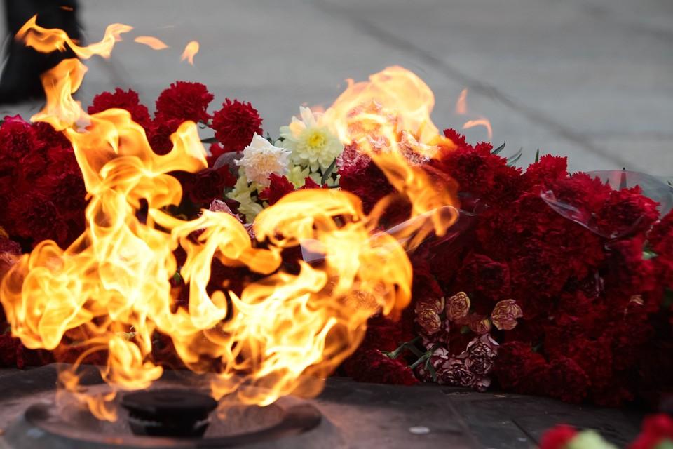Инцидент произошел у мемориала 1200 погибшим воинам-гвардейцам.