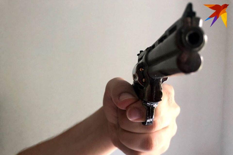 Мужчину обвиняют в незаконном изготовлении и хранении огнестрельного оружи