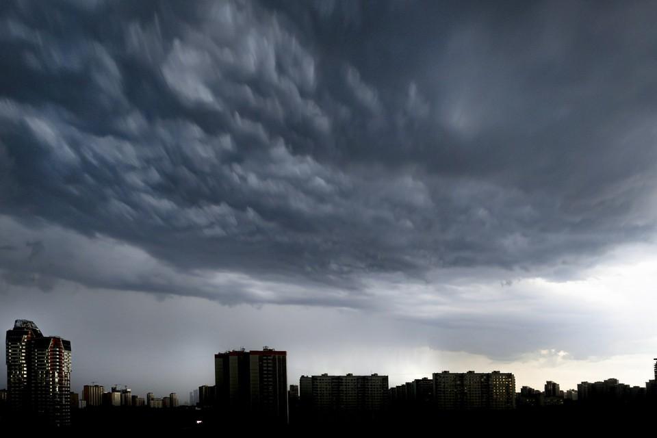 Специалист предупредил о возможных ливнях вечером 4 июня