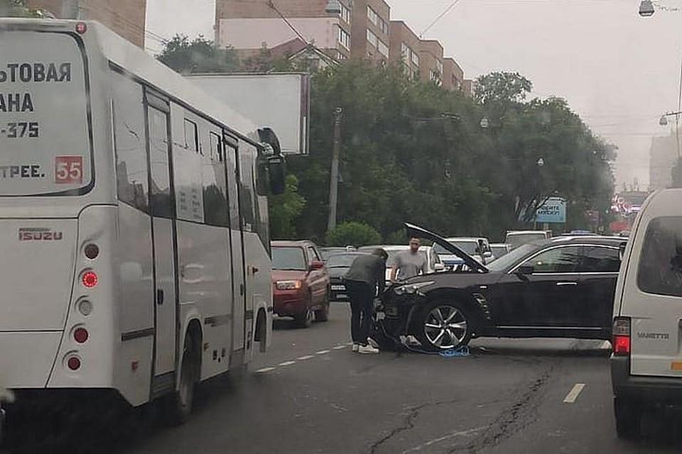 Авария стала причиной пробки. Фото:dpskontrol125rus