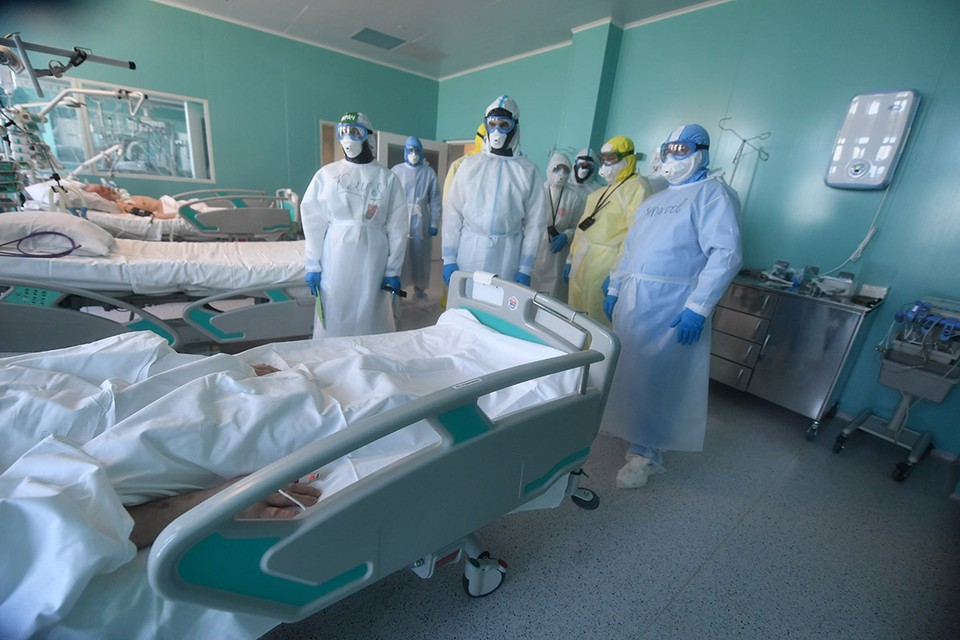 Врач назвал возраст, с которого люди чаще тяжело болеют коронавирусом